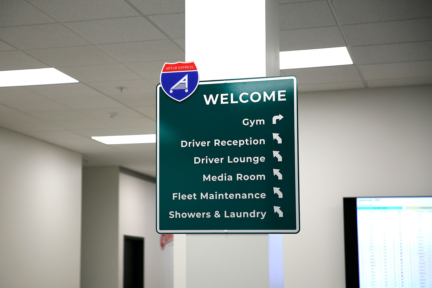 welcome-directions-sign